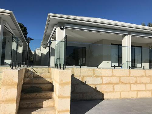 frameless-glass-pool-fencing-perth-wa15