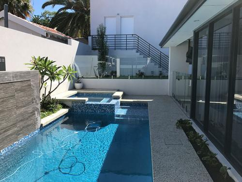 frameless-glass-pool-fencing-perth-wa2